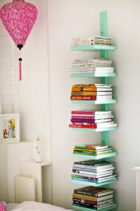 bibliotheque-verticale-rangement-livre-chambre