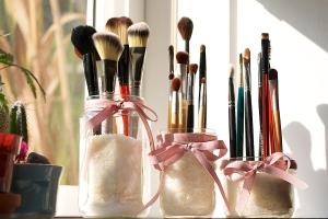 DIY-Make-up-rangement-pinceau-bocal-riz