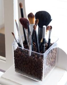 DIY-Make-up-rangement-pinceau-grain-cafe