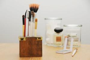 DIY-makeup-rangement-bois-pinceaux